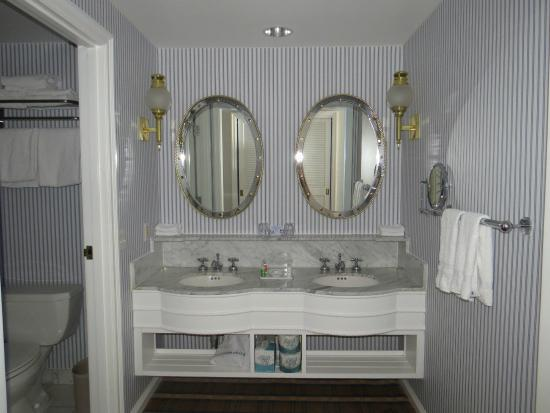 Bathroom Vanity Picture Of Disney 39 S Yacht Club Resort Orlando Tripadvisor