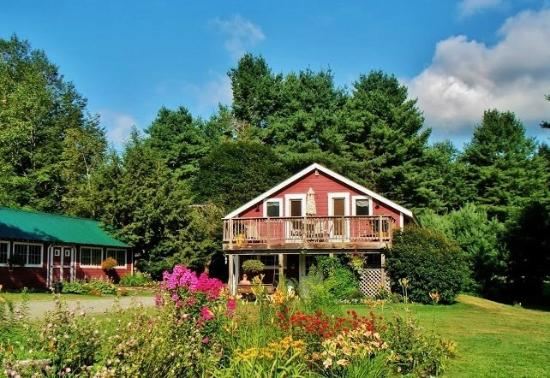 West Halifax, VT: Meadow & Carriage House Lodging