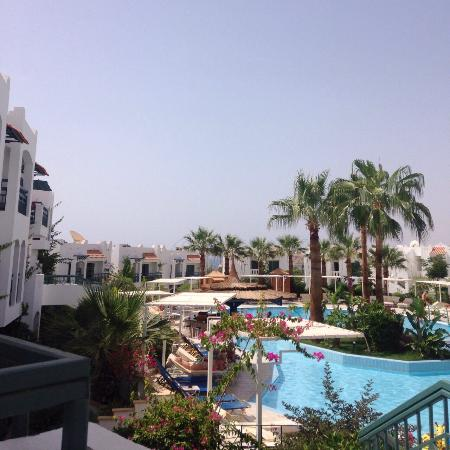 Lovely hotel picture of sol y mar naama bay sharm el for Lovely hotel
