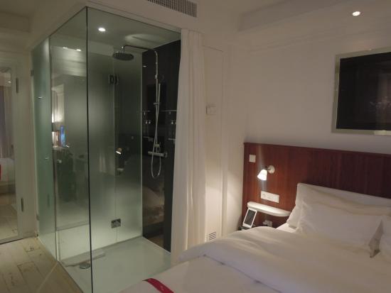 Ruby Sofie Hotel Vienna: Sexy Bathroom