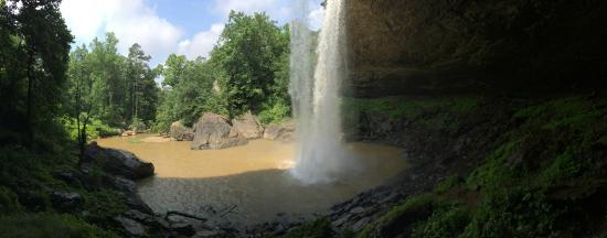 Noccalula Falls Park & Campground: Below the falls
