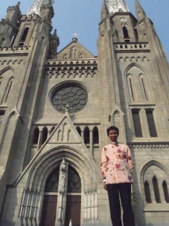 Jakarta Cathedral : Gereja Katedral bagian depan