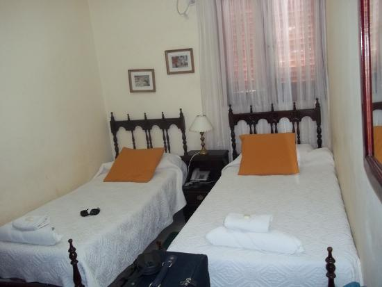 Hotel Continental : Habitacion