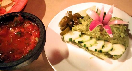 Santa Fe: Salsa & Guacamole