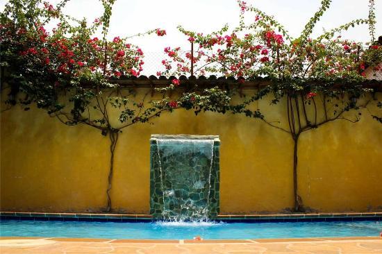 Nuevo Baño De Santa Fe:de la habitación – Picture of Casa Morales Santa Fe, Santa Fe de