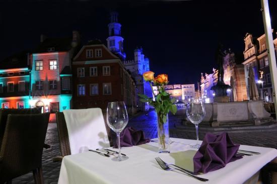 Restauracja Ratuszova: Romantyczna kolacja? TYLKO W RATUSZOVEJ / Romantic dinner? ONLY IN RATUSZOVA
