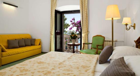 Photo of Bluesun Hotel Kastelet Tucepi