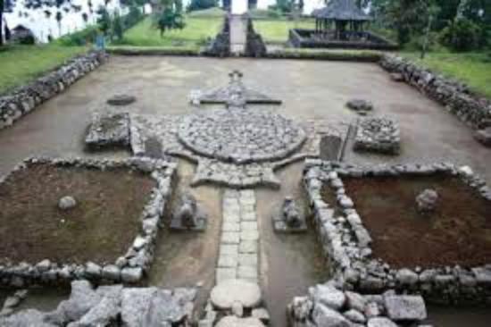 Relief Punggung Kura Kura Picture Of Cetho Temple Solo Tripadvisor