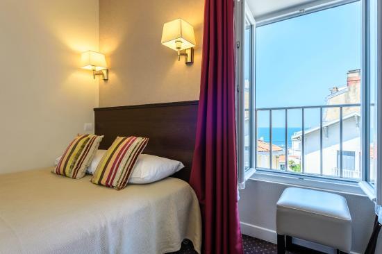Anjou Hotel : vue d'une chambre
