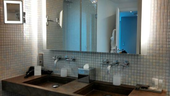 Hôtel L'Edmond, Paris : Edmond bathroom