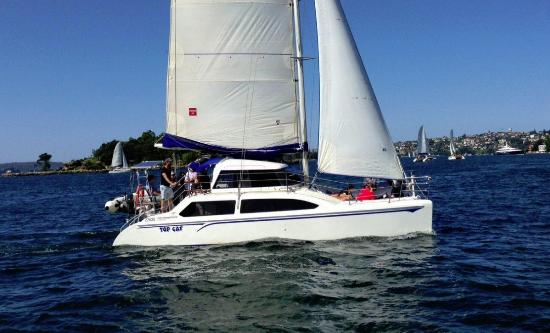 Белмонт, Австралия: Top Cat sailing on Sydney Harbour