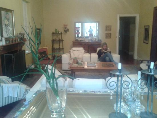 Anna's Farm: The lovely Victorian-Style Living room
