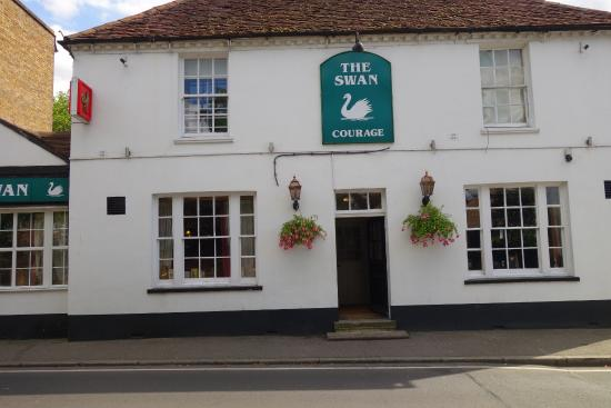The Swan Inn: From outside I