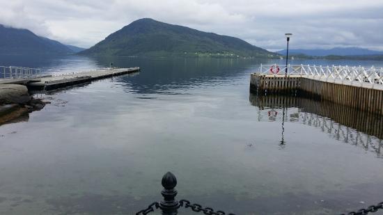 Utsikt fra Rosendal Fjordhotell