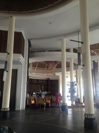 Avani Sepang Goldcoast Resort: lobby
