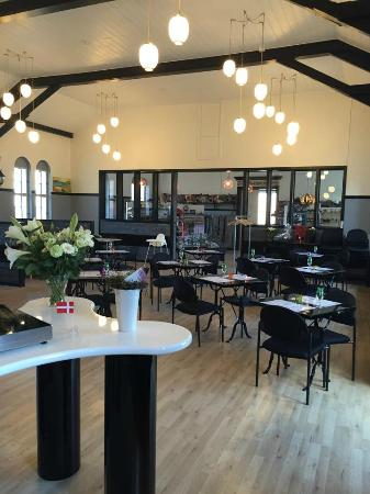 Glimmer Cafe & Butik