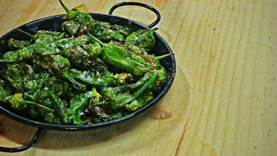 Restaurante Rias Bajas: Pimientos de Padrón (uns pican e outros non)