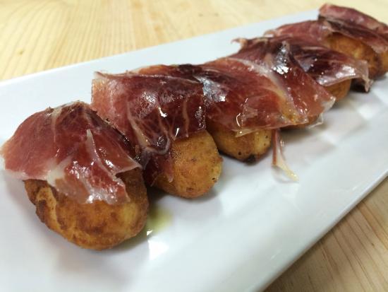 Restaurante Rias Bajas: Croquetas con iberico