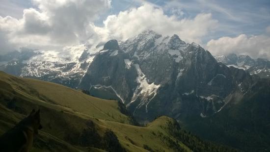 Trentino Dolomites, Italien: Marmolada, vista dalla Viel dal Pan