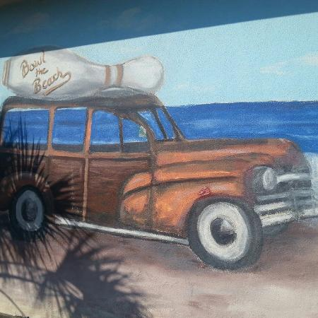 Cardinal Lanes Beach Bowl