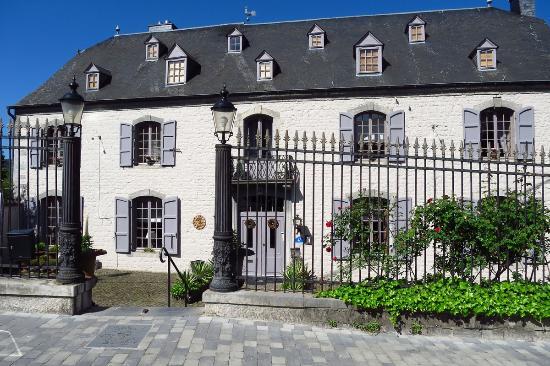 the main building picture of la malle poste rochefort rochefort tripadvisor. Black Bedroom Furniture Sets. Home Design Ideas