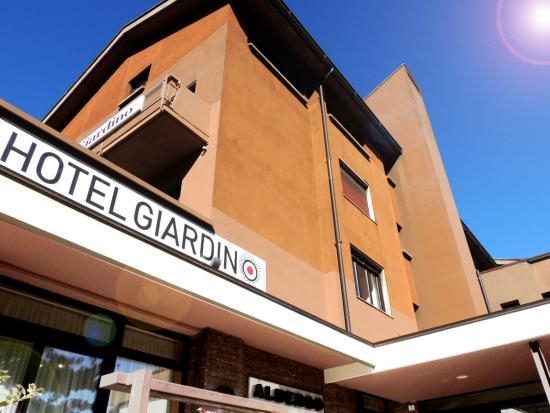 Hotel Giardino: facciata - ingresso
