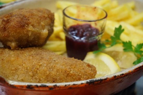 Gourmanderie Moléson: Deux Cordons Bleu de Veau aux Airelles rouges