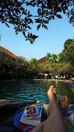 Bumas Hotel: Relaxen aan het zwembad