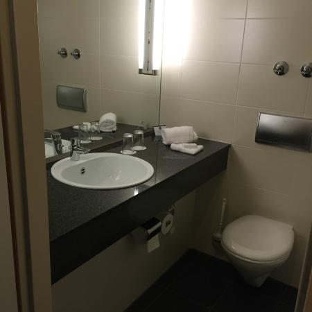 Best Western Plus Hotel Fellbach-Stuttgart: bathroom