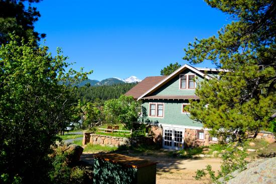 The Golden Leaf Inn: The house