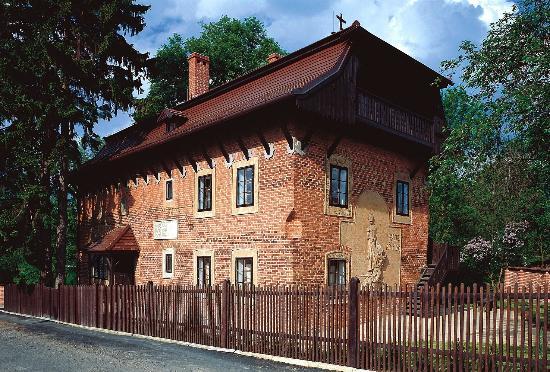 Dům Františka Bílka v Chýnově / Galerie hlavního města Prahy