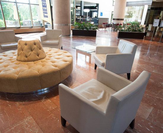 Lobby at the Hilton Strasbourg