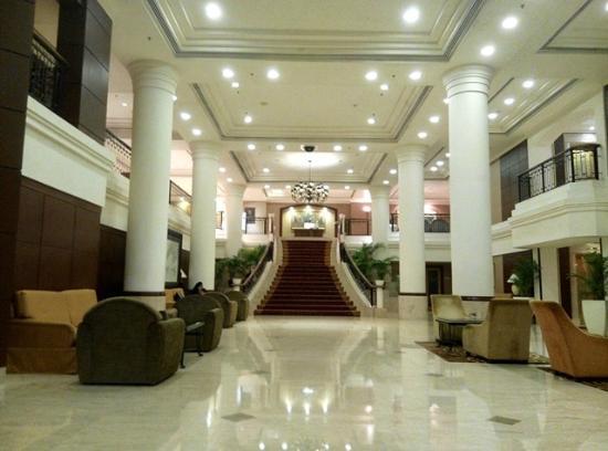 Lobby Hotel Picture Of Dorsett Grand Subang Subang Jaya Tripadvisor