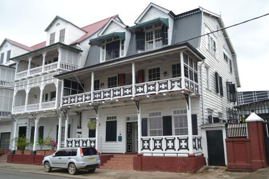 Hotel La Petite Maison: Facade de la petite maison