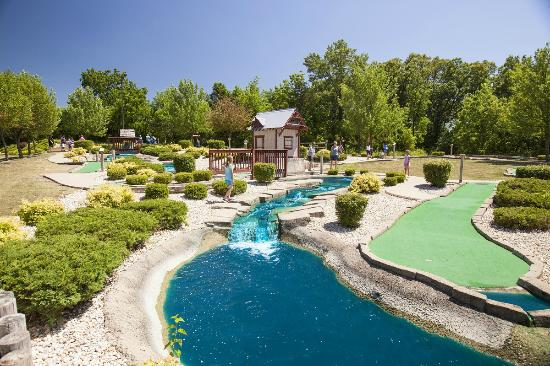 Holiday Inn Club Vacations Fox River Resort - Mini Golf