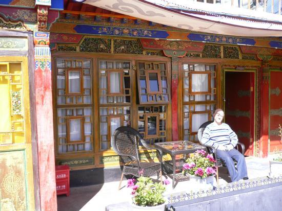 Lingtsang Boutique Hotel : Devant une chambre