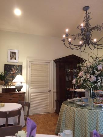 Greentree Antiques & Tearoom