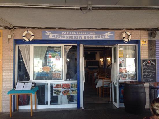 L'Hospitalet de l'Infant, España: La mejor arrocería de Hospitalet!! Paellas, pescado y marisco de lujo, y el trato de los dueños