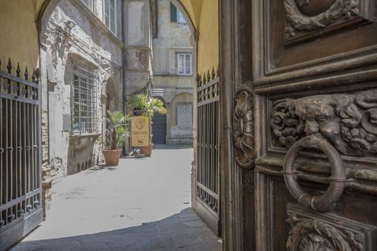 A Palazzo Busdraghi, Residenza d'Epoca : Hotel A Palazzo Busdraghi, l'entrata