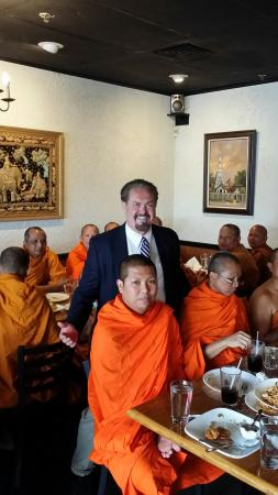 Jasmine Thai Restaurant: 50 Buddhist Monks Can't Be Wrong!