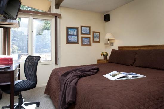 Lichenhearth Condominiums: Bedroom