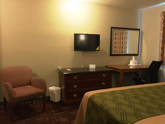 Econo Lodge: remodelled rooms