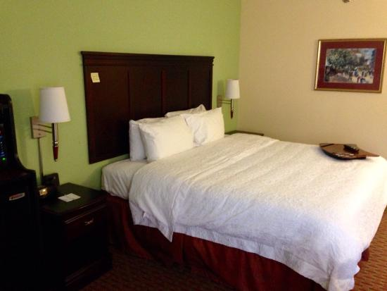 Hampton Inn Batesville: King room at Hampton Inn