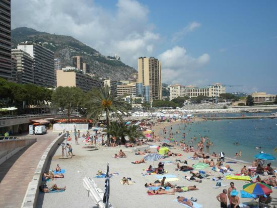 vue d 39 en haut foto van larvotto beach monte carlo tripadvisor. Black Bedroom Furniture Sets. Home Design Ideas