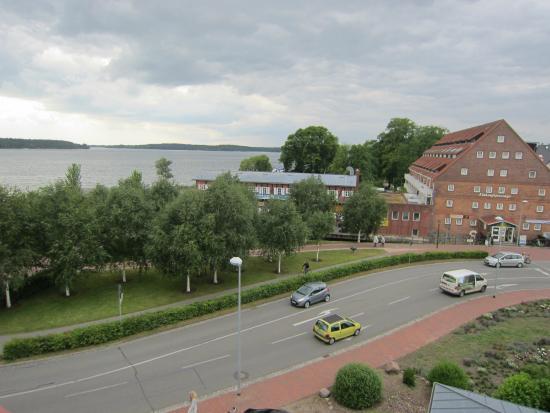Hotel Harmonie: Ausblick zum See