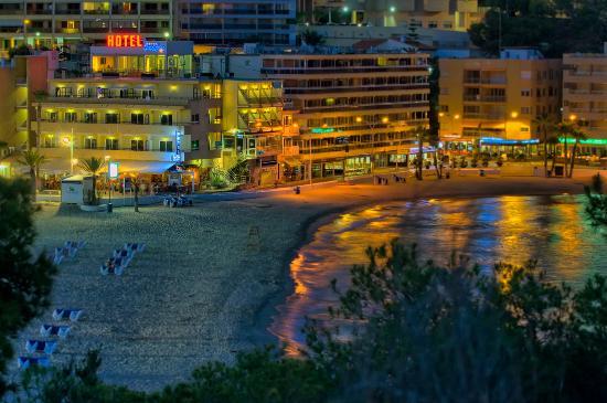Hotel La Cala: LA CALA DE NOCHE