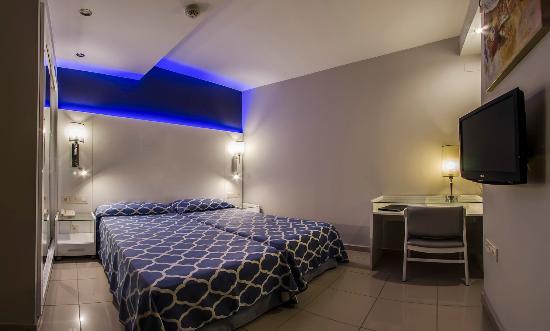Hotel La Cala: HABITACIÓN