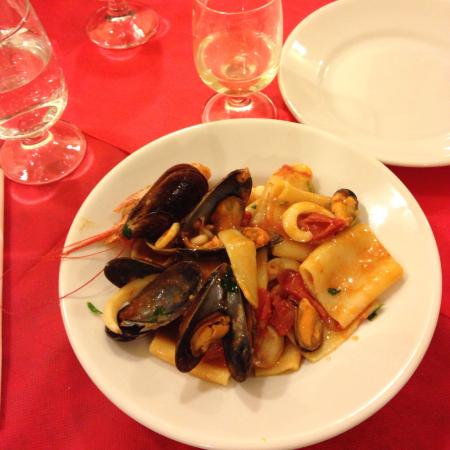 Castel Viscardo, Italia: Seafood pasta was superb