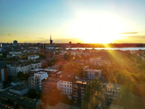 Motel One Hamburg Alster: Ausblick über Hamburg