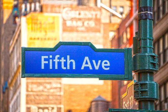 マンハッタンのフィフスアベニュー